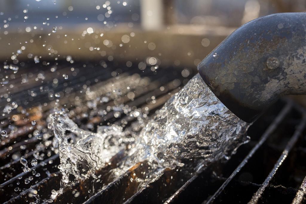 Como funciona o tratamento de águas oleosas nas indústrias